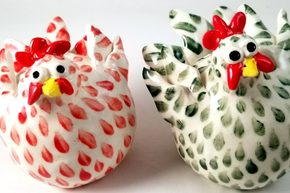 Chicken Salt and Pepper Shakers Red and Green