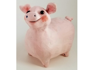 Miss Piggy sculpture